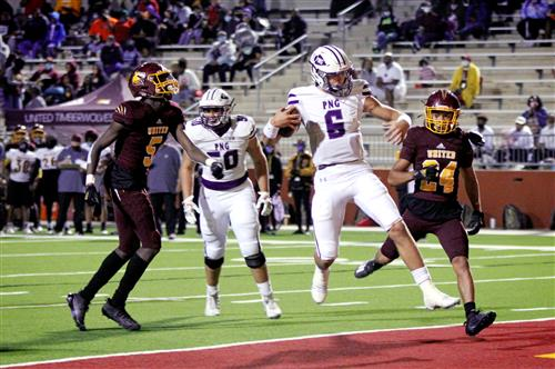 Blake Bost (6) bounds into the end zone for a score against Beaumont United. (Sabrina Castro/NDN Press)